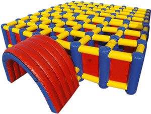 inflatable-maze-1